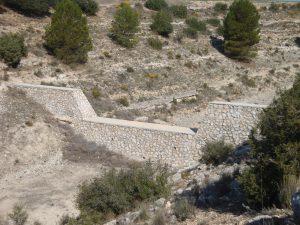 Dique de Mampostería hidráulica situado en el Barranco del Hocino (Casas de Ves)