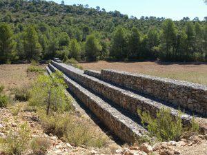 Dique de gavión en el barranco de Mingo Andrés, entre Casas de Ves y Villa de Ves